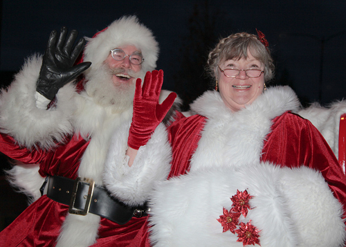 mr-mrs-claus-redo72-500